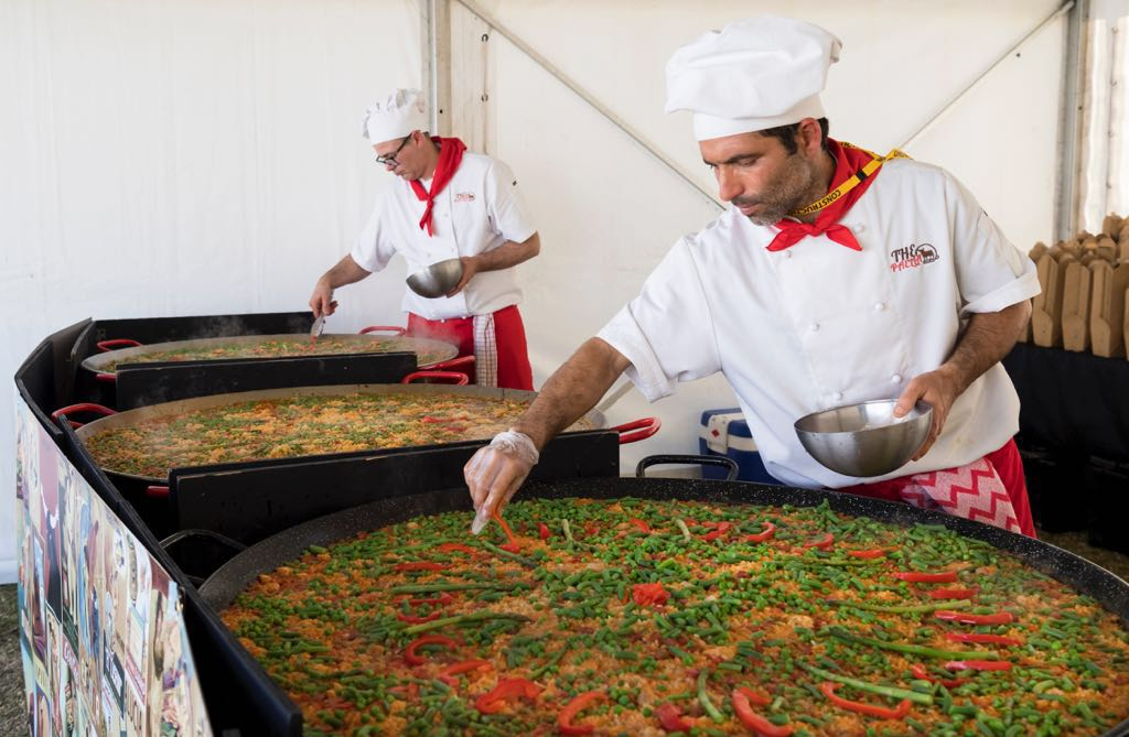 The paella catering sydney provides the best catering for Best catering services